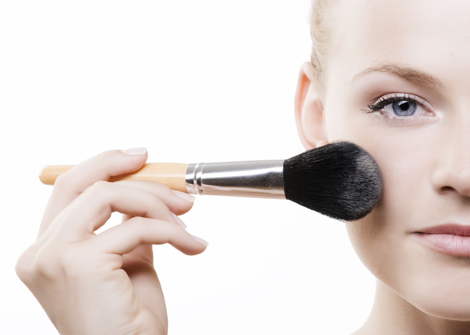 Acne Makeup - AcneSkinExpert's Guide to buying makeup that won't cause breakouts