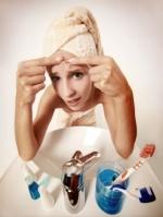 causes-of-acne-skin-picking